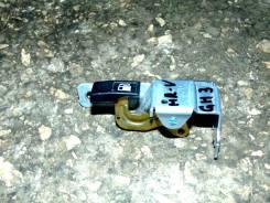 Ручка открывания бензобака. Honda HR-V, GH3 Двигатель D16A