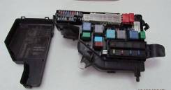 Блок предохранителей под капот. Toyota Harrier, MCU30