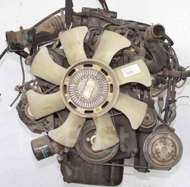 Двигатель в сборе. Mitsubishi Delica, P13V, P13T