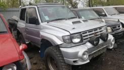Капот. Mitsubishi Pajero