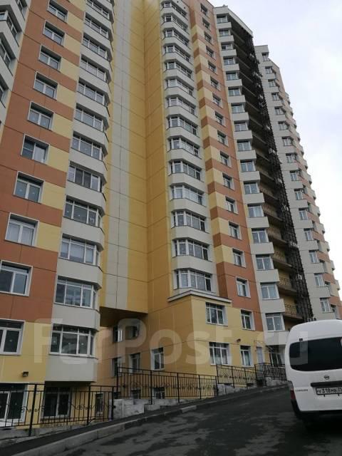 2-комнатная, улица Чкалова 5. Вторая речка, частное лицо, 50кв.м. Дом снаружи