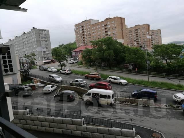 2-комнатная, улица Чкалова 5. Вторая речка, частное лицо, 50кв.м. Вид из окна днем