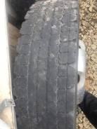 Bridgestone W910. Всесезонные, 2013 год, износ: 40%, 2 шт