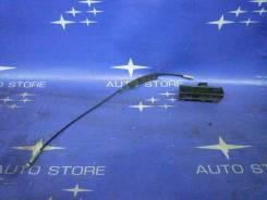 Тросик багажника. Subaru Forester, SG, SG5, SG9, SG9L Двигатели: EJ20, EJ201, EJ202, EJ203, EJ204, EJ205, EJ20A, EJ20E, EJ20G, EJ20J, EJ25, EJ251, EJ2...