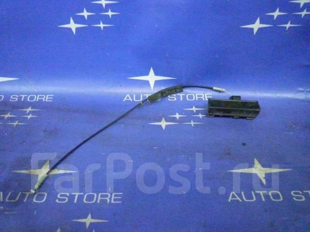 Тросик замка багажника / замок багажника Форестер SG. Subaru Forester, SG, SG5, SG9, SG9L Двигатели: EJ20, EJ201, EJ202, EJ203, EJ204, EJ205, EJ20A, E...
