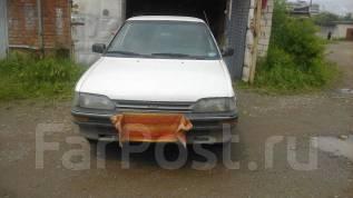 Toyota Corolla. механика, передний, 1.3 (90 л.с.), бензин, 200 тыс. км