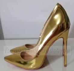 Туфли-лодочки. 38, 39