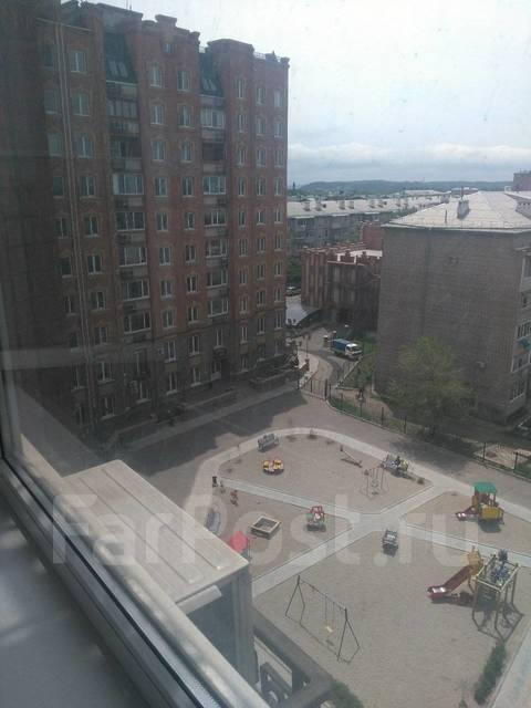 1-комнатная, улица Агеева 52. Семь ветров, 40 кв.м. Вид из окна днем
