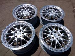 OZ Racing. 8.0/9.0x18, 5x114.30, ET40/40