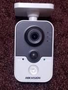 Hikvision DS-2CD2412F-IW. Менее 4-х Мп, с объективом