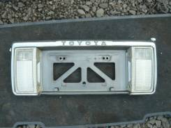 Накладка на дверь багажника. Toyota Hilux Surf, LN130G, LN130W