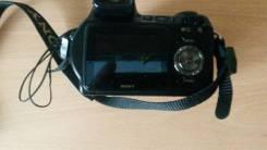 Sony Cyber-shot DSC-H7. 8 - 8.9 Мп, зум: 14х и более