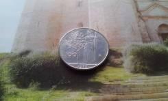 Италия. Изящные и красивые 100 лир 1977 года.