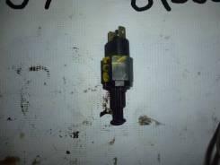Концевик под педаль тормоза. Daewoo Nexia Двигатель A15MF