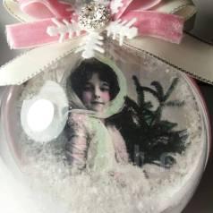 Новогодний шар с фотографией в винтажном стиле