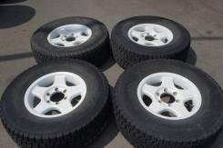 Продам комплект колес, возможна отправка. 7.0x16 6x139.70 ET30 ЦО 110,0мм.