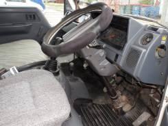 Toyota Hiace. 1993, 2 500 куб. см., 1 000 кг.