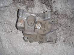 Кронштейн опоры двигателя. Land Rover Freelander, L359