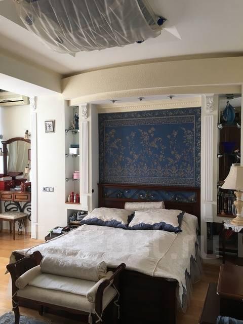 3-комнатная, улица Тигровая 20а. Центр, частное лицо, 130 кв.м. Комната