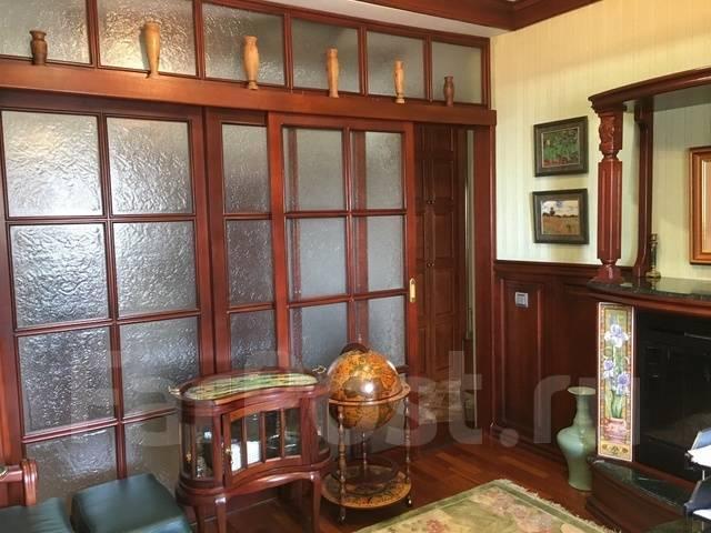 3-комнатная, улица Тигровая 20а. Центр, частное лицо, 130 кв.м. Вторая фотография комнаты
