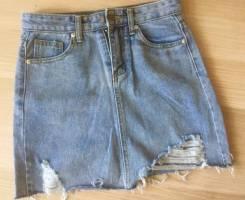 Юбки джинсовые. 44, 48