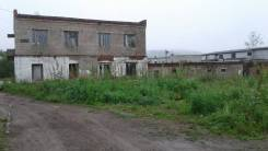 Земельный участок с нежилыми зданиями. 2 045 кв.м., собственность, электричество, вода, от частного лица (собственник)