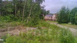 Продам земельный участок в начале мкр. Лесной в Артеме. 992 кв.м., собственность, электричество, вода, от частного лица (собственник)