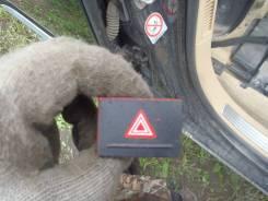 Кнопка включения аварийной сигнализации. Volkswagen Touareg