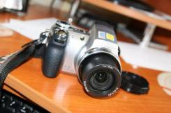 Sony Cyber-shot DSC-H5. 7 - 7.9 Мп, зум: 12х