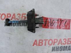 Ограничитель двери Toyota Avensis (T250)