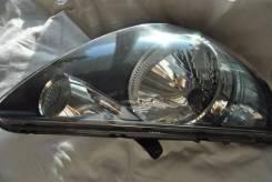 Продам правую переднюю фару на Хонда-Фит Honda Fit