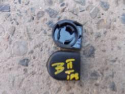 Крышка стеклоочистителя. Toyota Ipsum, SXM10, SXM10G, SXM15G, SXM15