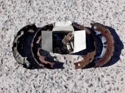 Колодка стояночного тормоза. Toyota Hiace Regius, KCH46W, KCH46G