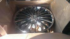 Продам комплект зимних колес. x17 5x114.30