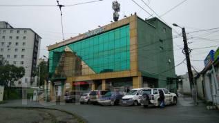 Сдаются торговые и офисные помещения в аренду. Район Баляева. 120 кв.м., улица Адмирала Юмашева 2в, р-н Баляева. Дом снаружи