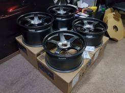 Advan Racing TCIII. 9.0/11.0x18, 5x130.00, ET46/40, ЦО 71,6 мм.