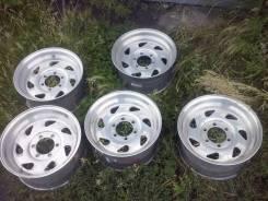 Centerline Wheels. 8.25x16.5, 6x139.70, ET10