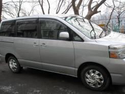 Toyota Voxy. автомат, 4wd, бензин, 100 000 тыс. км