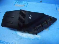Патрубок воздухозаборника. Audi A6 allroad quattro, 4FH Audi S6, 4F2, 4F5 Audi A6, 4F2, 4F2/C6, 4F5, 4F5/C6 Двигатели: BPP, BSG, AUK, BNG, ASB, BNK, B...