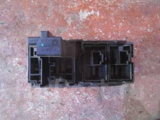 Блок управления светом. Renault Fluence, L30R, L30T Двигатели: K4M, M4R