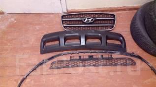 Решетка бамперная. Hyundai Santa Fe