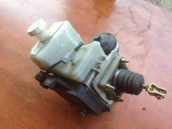 Цилиндр главный тормозной. Mitsubishi Pajero, V73W Двигатель 6G72