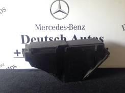 Крышка блока предохранителей. Mercedes-Benz E-Class, S210, W210 Двигатели: M111E20, M111E23, M112E24, M112E26, M112E28, M112E32, M113E43, M113E55, M11...