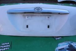 Накладка крышки багажника. Toyota Mark II, JZX110, GX110