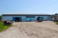 Складская база на Океанской с подъездом и площадкой для техники. 1 000 кв.м., улица Фанзавод 1, р-н Океанская. Дом снаружи