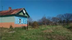 Продается дом с земельным участком с. Петровка. Колхозная, р-н Шкотовский, площадь дома 52 кв.м., скважина, электричество 10 кВт, отопление твердотоп...