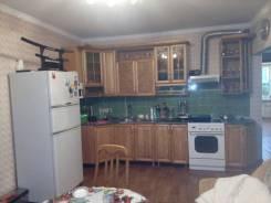 3-комнатная, улица Сидоренко. Сидоренко, агентство, 64кв.м. Кухня