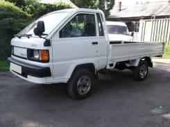 Toyota Lite Ace. 4WD, борт 1,2 тонны, 1 800 куб. см., 1 200 кг.