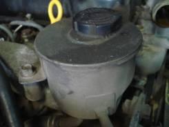 Бачок гидроусилителя руля. Nissan Atlas, P4F23 Двигатель TD27