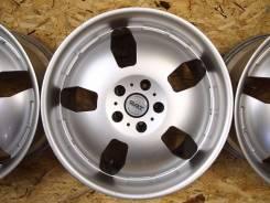Японские литые диски GAT R18 в Москве. 8.5x18, 5x114.30, ET43, ЦО 73,1мм.